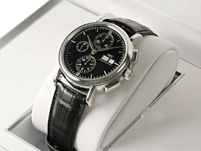 The accuracy of the IWC has been guanrateed by the reliable IWC-manufactured movement.