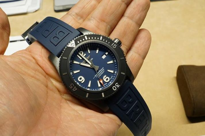 The male replica watches have blue dials.