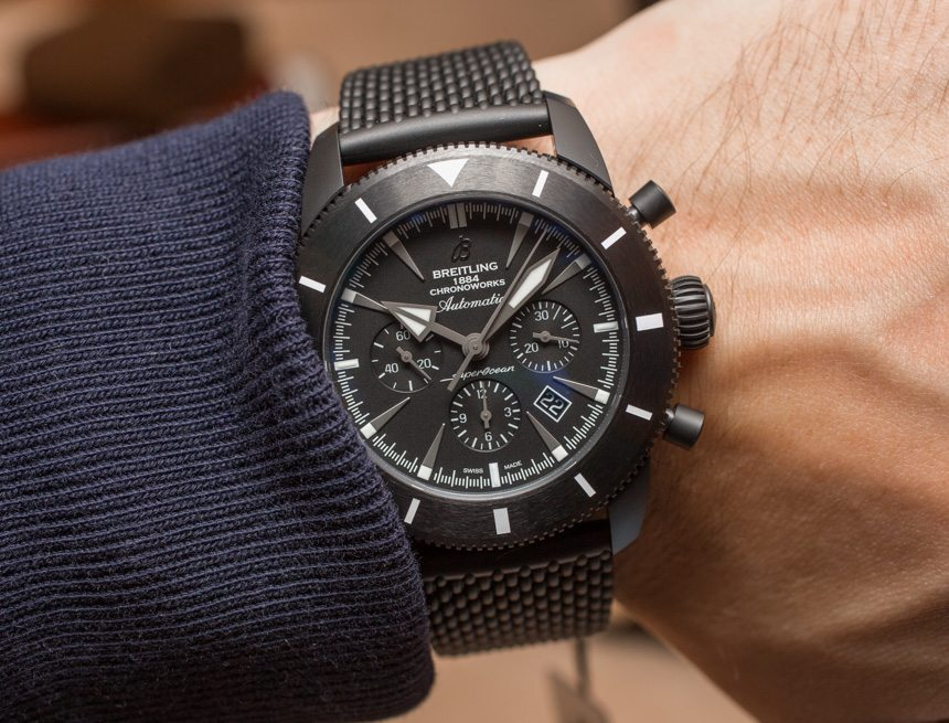 The male fake watches have black dials.