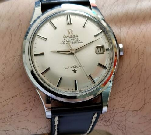 The Omega Constellation looks elegant and attractive.