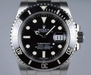 The black Submariner is suitable for both formal and casual wear.
