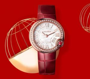 The white dial fake watch has ruby.