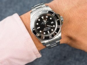 The Oystersteel fake watch has a black dial.